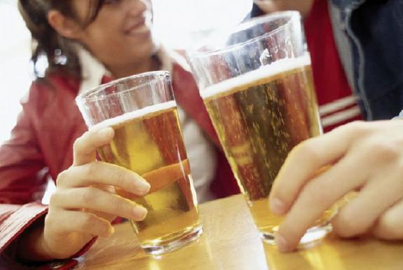 http://www.sante-digitale.fr/wp-content/uploads/2014/05/alcool.jpg