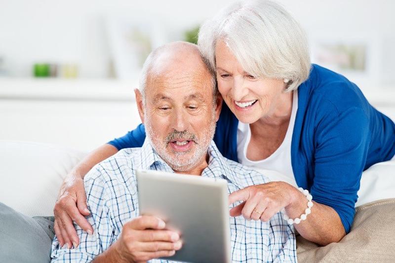 photo-senior-tablette